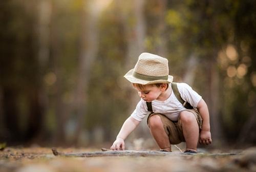 Tôi từng đi qua tuổi thơ ý nghĩa, khác hẳn với sự hiện đại tụi trẻ đang trải qua