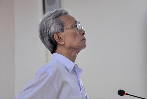Bị cáo Nguyễn Khắc Thủy tại tòa phúc thẩm. Ảnh: NLĐ.