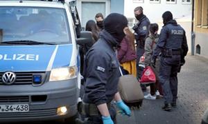 Đức bắt hai nghi phạm Việt trong đường dây buôn người