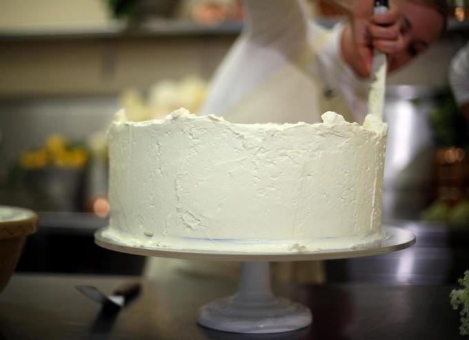 Bánh cưới của Hoàng tử Anh sử dụng 200 quả chanh