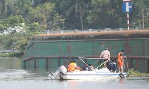 2 người tử vong khi sà lan lật úp trên sông Đồng Nai