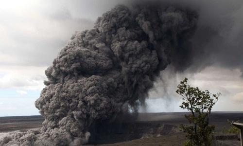 Cột tro bụi cao tới 9.000 m được tạo ra khi núi lửa phun trào. Ảnh: ABC News.