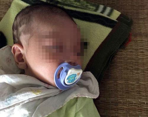 Bé trai hai tháng tuổi bị mẹ bỏ rơi hiện sức khoẻ tốt. Ảnh: Bảo Sơn