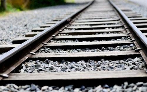Thanh ray đường sắt hình chữ I.