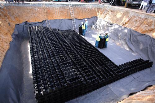 Hồ điều tiết ngầm xây dựng ở Nhà thiếu nhi quận Thủ Đức được hoàn thành hồi năm ngoái được cho là đã có hiệu quả chống ngập bước đầu. Ảnh: Hữu Nguyên