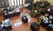 Bác sĩ Lương đối chất với điều tra viên về 'lời khai theo bản mẫu'