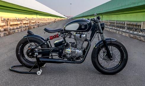 Royal Enfield Classic 500 biến hình thành chiếc bobber