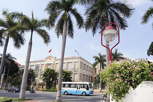 Tòa nhà Pháp cổ từng là trụ sở UBND Đà Nẵng đã được giữ lại để làm Bảo tàng của thành phố. Anht: Nguyễn Đông.
