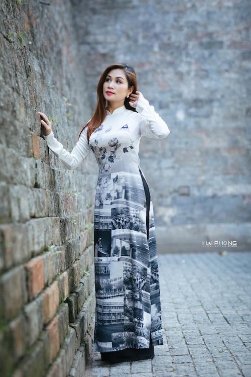 Ý tưởng thực hiện bộ áo dài này là của chị Nguyễn Bích Thủy - một doanh nhân thành đạt trong ngành công nghệ thông tin.
