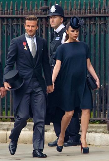 Vợ chồng cầu thủ Beckham dự hôn lễ của Hoàng tử William năm 2011. Ảnh: PS.