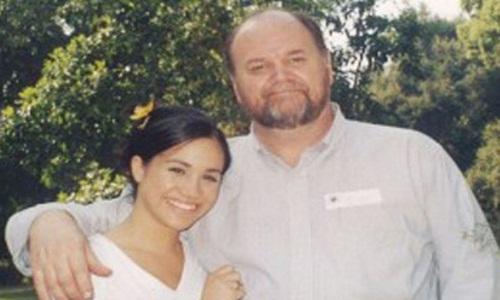 Ông Thomas Markle trong một bức ảnh chụp cùng con gái Meghan. Ảnh: TMZ.