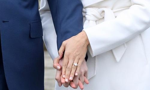 Nhẫn đính hôn của Meghan Markle cũng do Cleave and Company chế tác. Ảnh: AFP.
