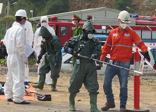 Lực lượng chức năng thực hành diễn tập ứng phó sự cố mất nguồn phóng xạ tại Thái Nguyên năm 2016. Ảnh: Sở Khoa học và Công nghệ Thái Nguyên.