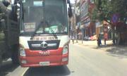 Tài xế thi gan với xe khách chạy ngược chiều ở Bắc Ninh