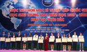 Nữ sinh Việt Nam giành giải ba cuộc thi khoa học quốc tế