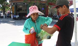 Quán cơm 3.000 đồng phục vụ người nghèo ở Quảng Nam