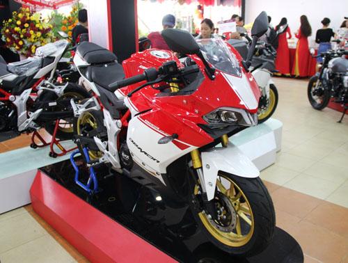GPX Demon 150GR giá 63-64 triệu đồng tại Việt Nam.