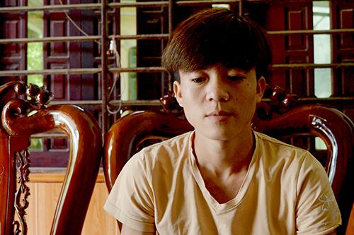 Nam thanh niên Nguyền Hồng Hải không ngần ngại lao ra sông lúc mưa giông để cứu người. Ảnh: Quảng Hà