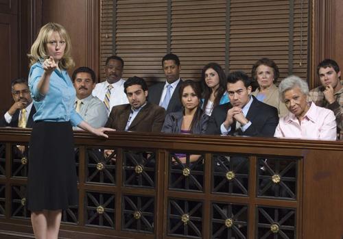 12 thành viên của bồi thẩm đoàn trong một phiên tòa ở Mỹ.
