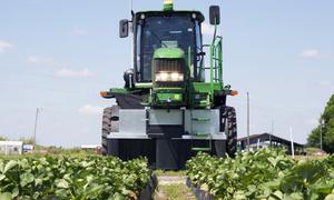 Những cỗ máy làm 'trợ thủ' đắc lực cho nông dân thế giới