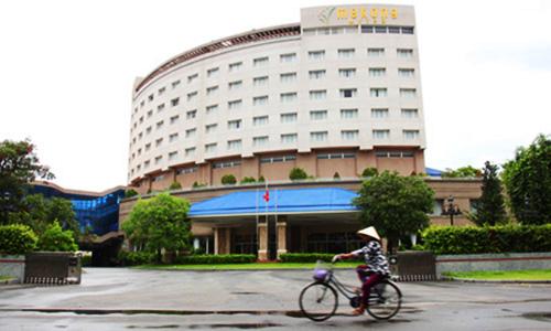 Khách sạn 4 sao chuẩn bị bán đấu giá. Ảnh: Hoàng Nam