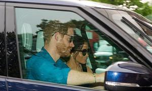 Vợ chồng Hoàng tử Harry lần đầu xuất hiện sau đám cưới