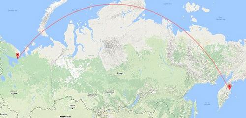 Đường bay của tên lửa Bulava từ Biển Trắng (trái) tới bãi thử Kura. Đồ họa: Google Earth.