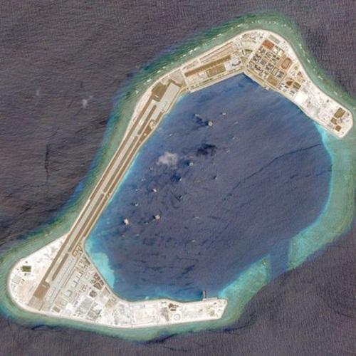 Ảnh chụp từ vệ tinh đá Subi bị Trung Quốc cải tạo trái phép thành đảo nhân tạo ngày 20/3/0218. Ảnh: Reuters.