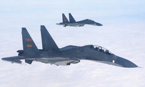 Chiến đấu cơ Trung Quốc diễn tập trên biển Hoa Đông tháng 12/2017. Ảnh: SCMP.