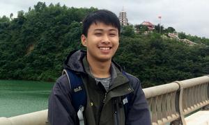 'Chàng trai vàng' Vật lý trúng tuyển Đại học Stanford và MIT