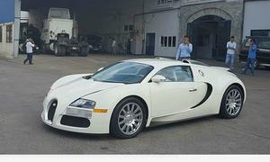 Siêu xe Bugatti Veyron độc nhất Việt Nam có chủ mới