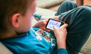 Lý do nhiều trẻ mê game, Facebook hơn gần gũi cha mẹ