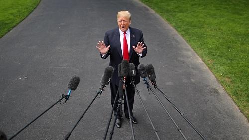 Trump nói hội nghị thượng đỉnh Mỹ - Triều có diễn ra đúng kế hoạch hay không sẽ được biết vào tuần tới, trước khi rời Nhà Trắng hôm 23/5. Ảnh: Reuters.