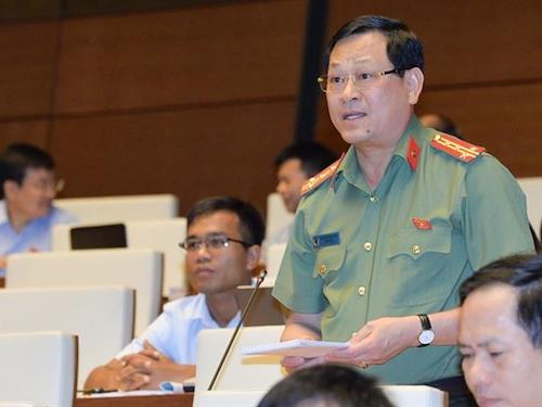 Đại biểu Nguyễn Hữu Cầu, Giám đốc Công an Nghệ An. Ảnh: QH.