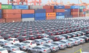 Ôtô nhập khẩu tăng vọt trong tuần qua
