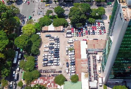 Lô đất 5.000 m2 đã được giao để triển khai dự án từ nhiều năm nay nhưng hiện vẫn làm bãi đỗ xe. Ảnh:Như Quỳnh.
