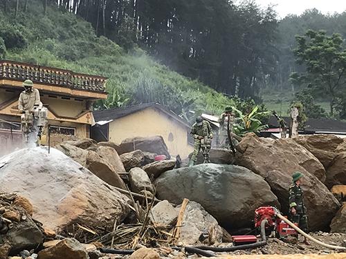Lũ quét, lũ bùn đá tháng 8/2017 tại huyện mù Cang Chải, tỉnh yên Bái, đã khiến hơn 20 người chết, thiệt hại hàng trăm tỉ đồng. Ảnh: Văn Duẩn.