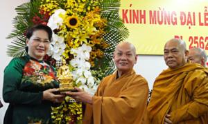 Chủ tịch Quốc hội chúc mừng Giáo hội Phật giáo nhân lễ Phật đản