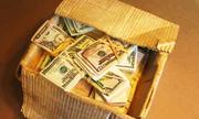 Người phụ nữ ở TP HCM sập bẫy lừa vì lời hứa tặng thùng USD