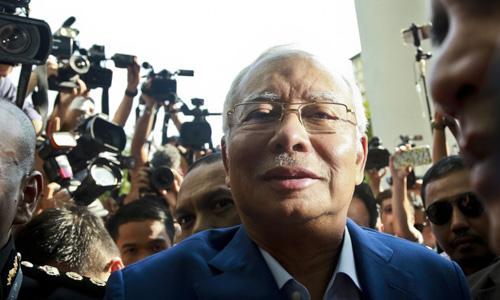 Cựu thủ tướng Najib Razak ngày 24/5trình diện trướcỦy ban Chống tham nhũng Malaysia. Ảnh: AFP.