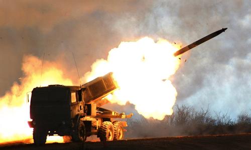 Hệ thốngHIMARS M142 của Mỹ trong một lầnkhai hỏa. Ảnh:Lockheed Martin.