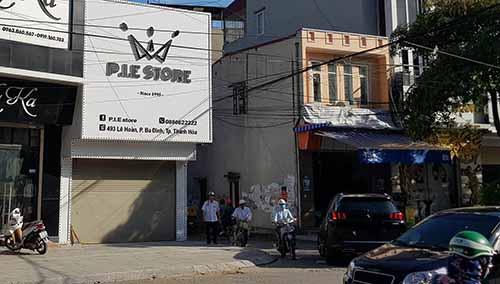 Nghi vấn nổ súng tại cửa hàng thời trang, một cô gái bị thương