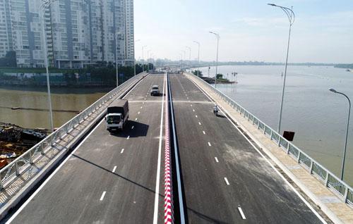 Cầu qua đảo Kim Cươngnằm trên đường ven sông Sài Gòn, đoạn qua nhánh sông Giồng Ông Tố. Ảnh: Quỳnh Trần
