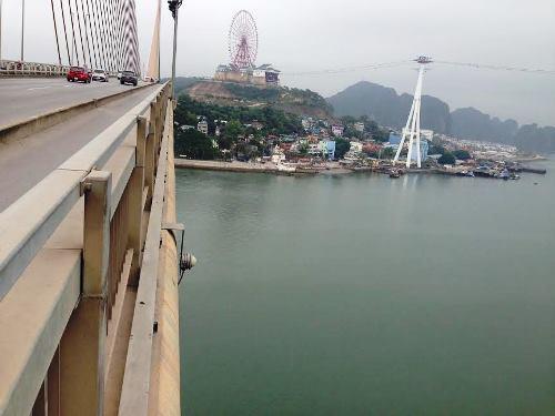 Cầu Bãi Cháy cao hơn 50m so với mựcnước biển. Ảnh: Minh Cương