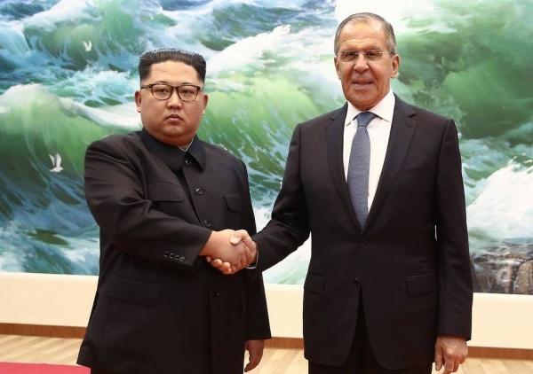 Lãnh đạo Triều Tiên Kim Jong-un trong cuộc gặp hôm qua với Ngoại trưởng Nga Sergei Lavrov hôm