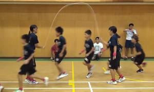 Một phút nhảy dây phá kỷ lục Guinness của học sinh Nhật Bản