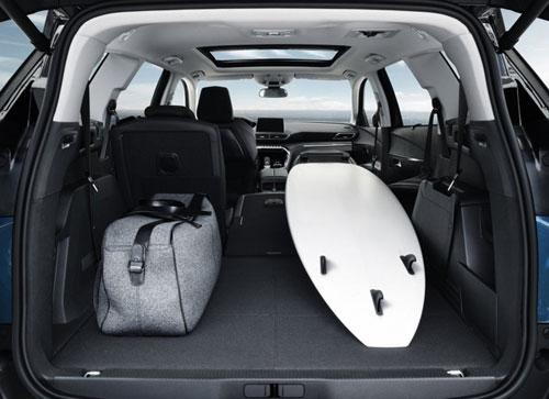 Dòng xe 7 chỗ tiện dụng đang là lựa chọn của nhiều khách hàng.