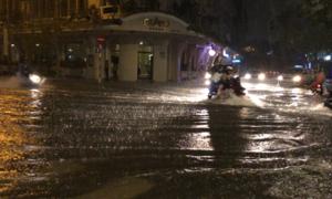 Trung tâm Sài Gòn ngập nặng sau mưa lớn