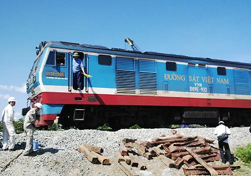 Nhiều đầu máy, toa xe đường sắt có tuổi thọhơn 40 năm. Ảnh minh họa: Đ.Loan