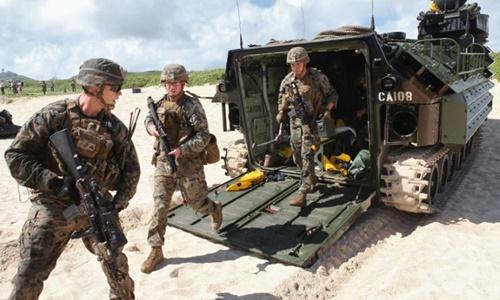 Các binh sĩ Mỹ tham gia cuộc tập trận RIMPAC năm 2016. Ảnh: Reuters.